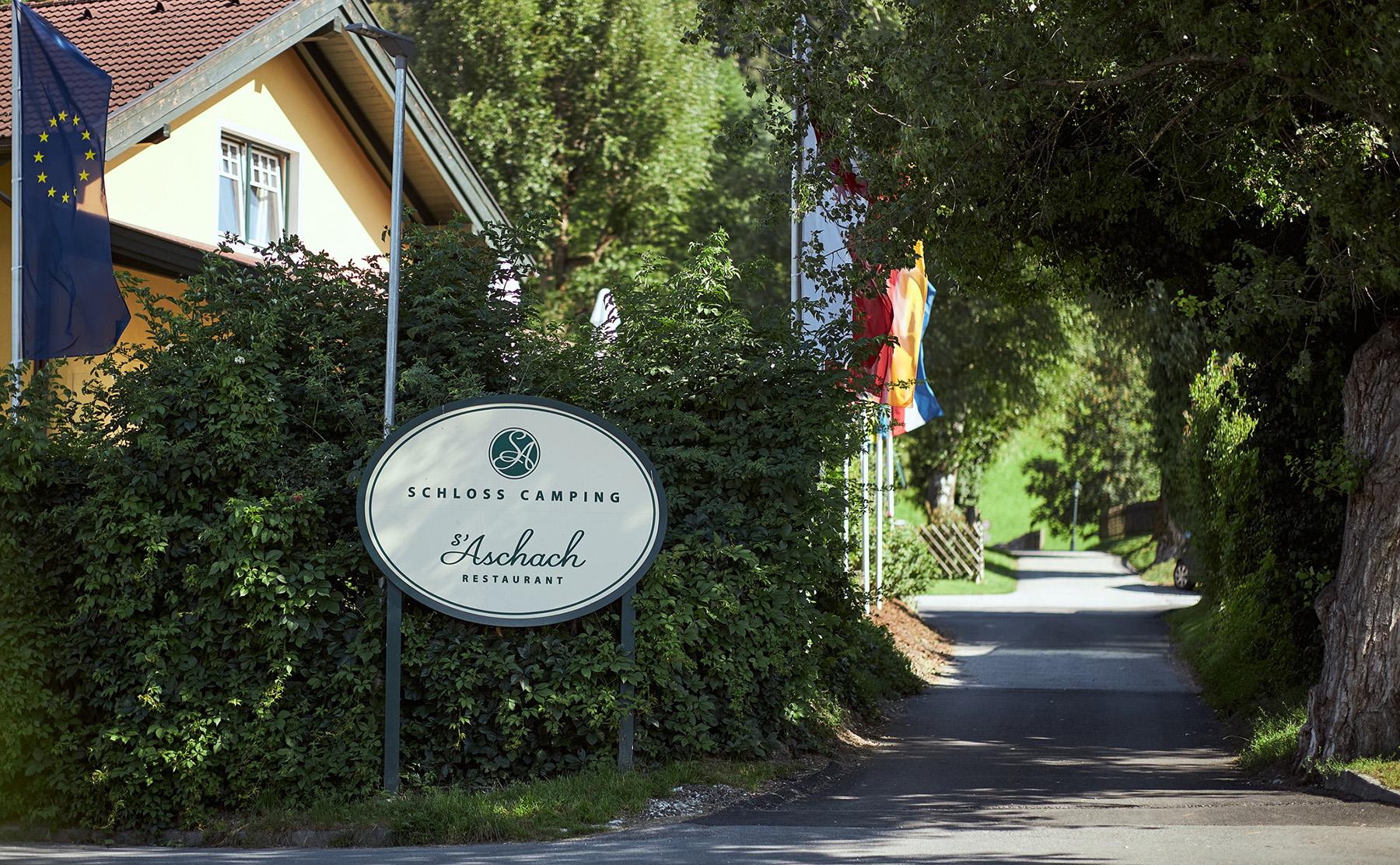 Einfahrt Schlosscamping Aschach